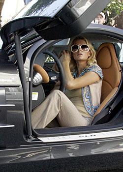 Paris Hilton купила себе Mercedes McLaren SLR