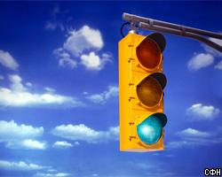 Водителя поймали за переключение светофора