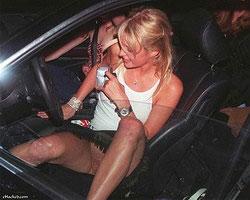 Пэрис Хилтон проиграла в карты автомобиль