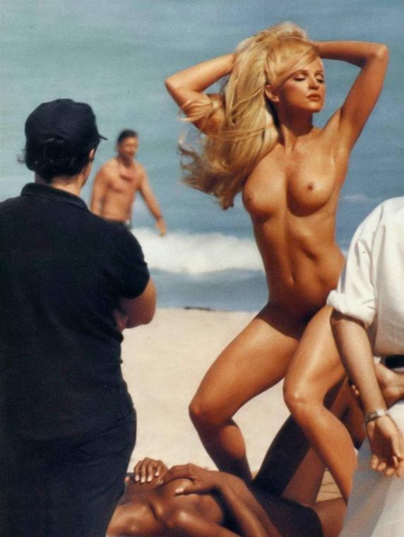 eroticheskie-foto-yunoy-madonni