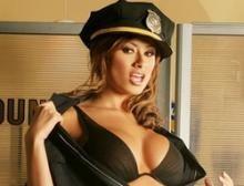 Женщины полицейские голые — 12