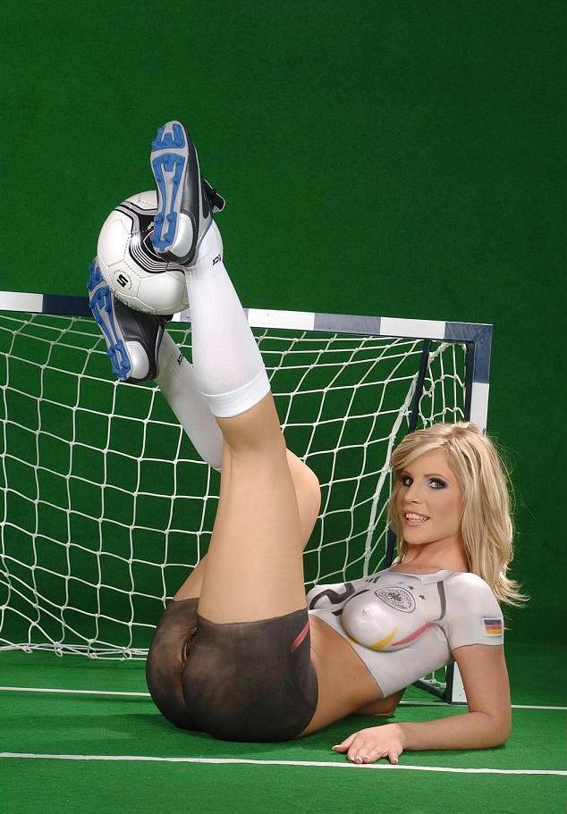 heinen-semi-nude-soccer-players