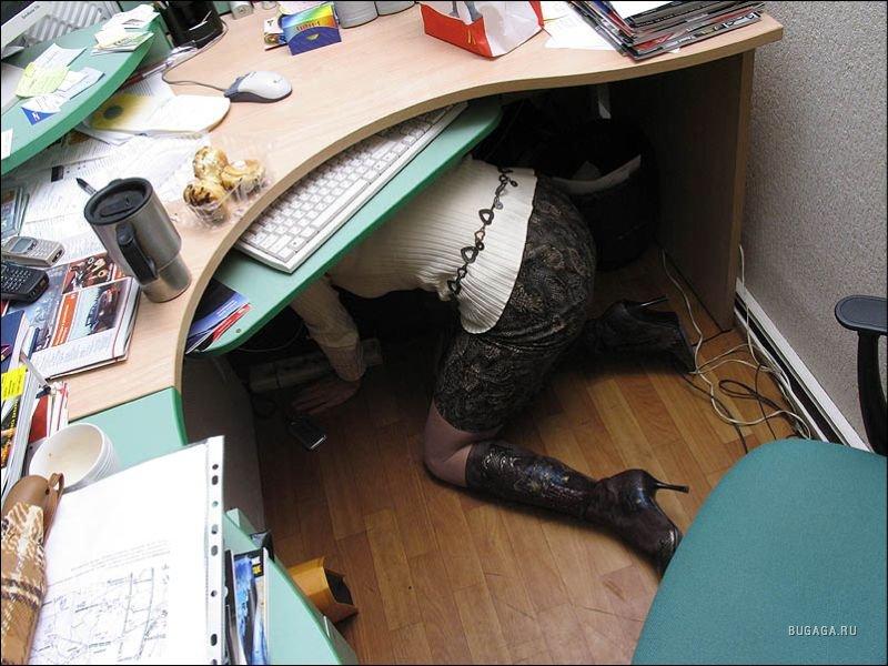 pod-stolom-luchshe-porno