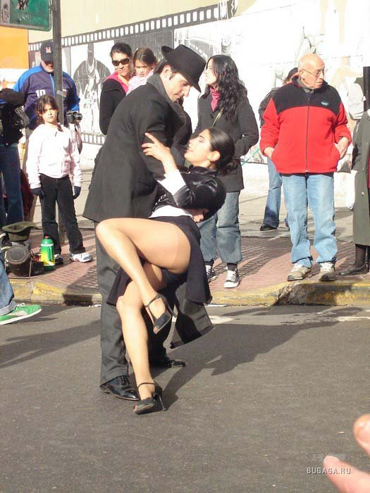 Street tango in the square, San Telmo.