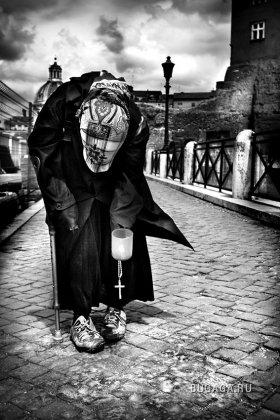 Улица - дом нищих... Фотограф Rodolphe Simeon