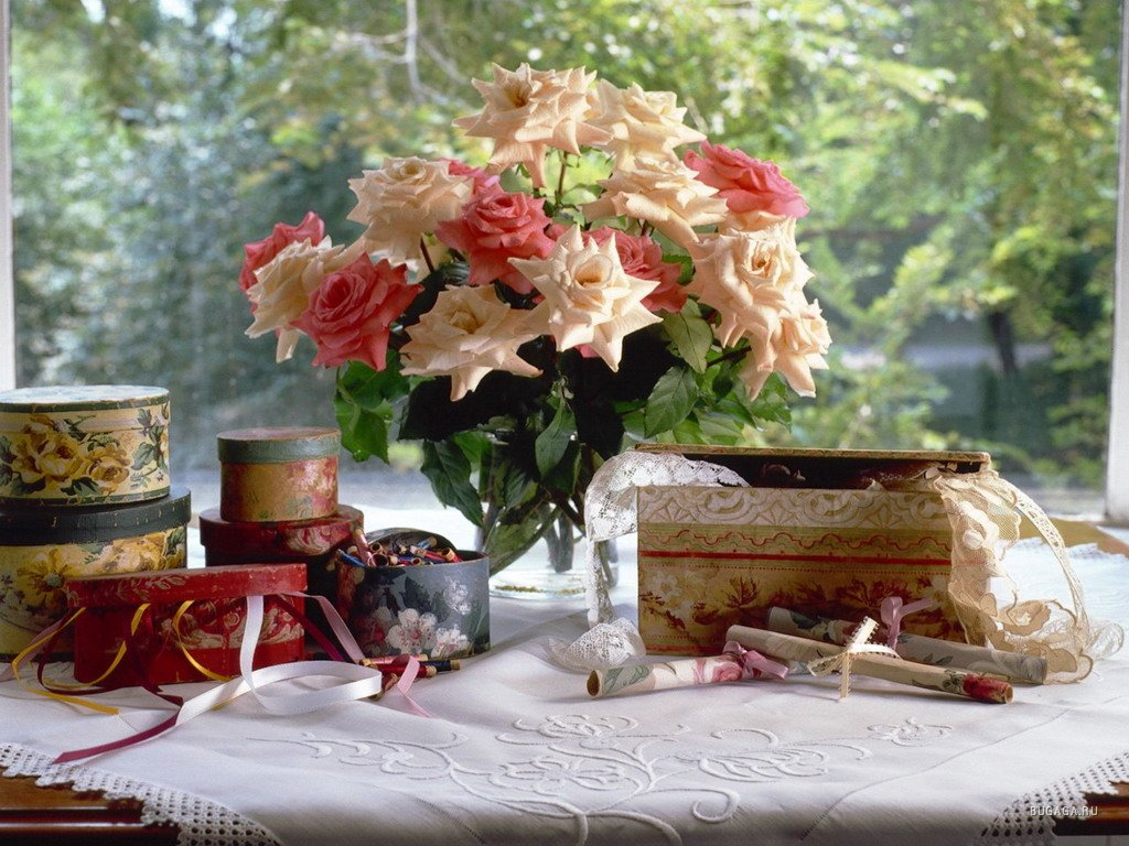 Картинки цветы на столе 3