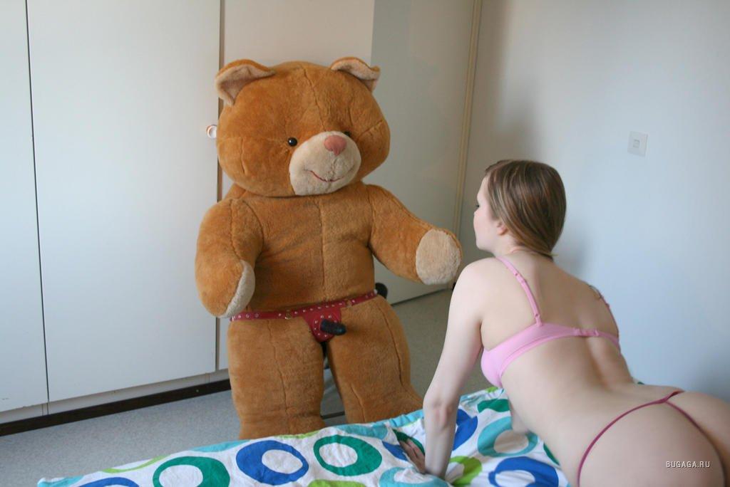seks-s-plyushevoy