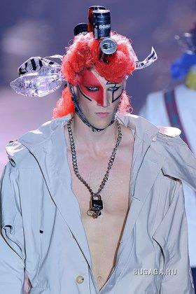 Мужская коллекция одежды от Джона Гальяно. Весенне-летний сезон 2009.