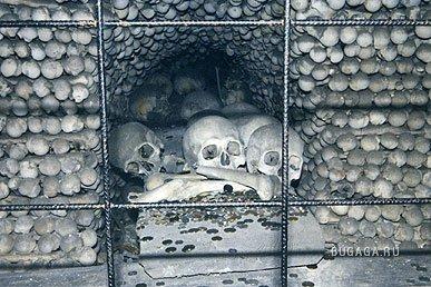 Костнице (Музей-костехранилище, или Путешествие в ночной кошмар)