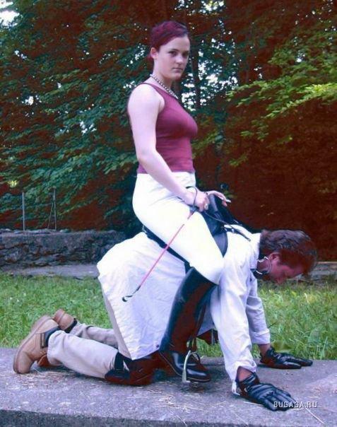 Страпонесса фото когда женщина верхом на мужчине вебки фото