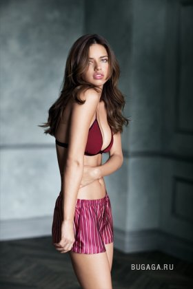 Адриана Лима для линии «Supermodel Obsession» нижнего белья Victoria's Secret