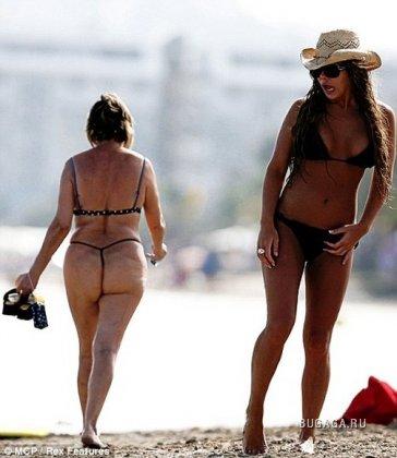 Чему так удивилась девушка на пляже