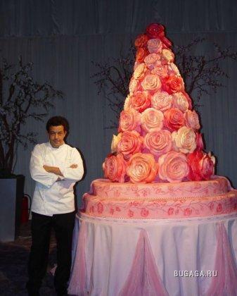 фотография свадебного торта-гиганта