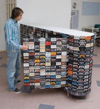 Креативный шкаф из кассет