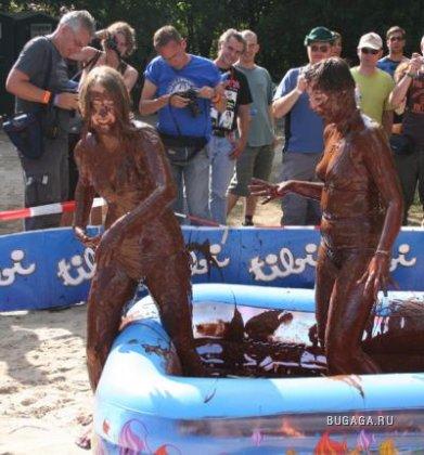 Женские шоколадные бои