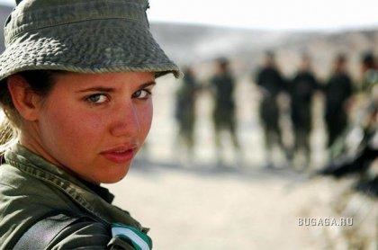 Учения выпускниц израильской пехотной школы