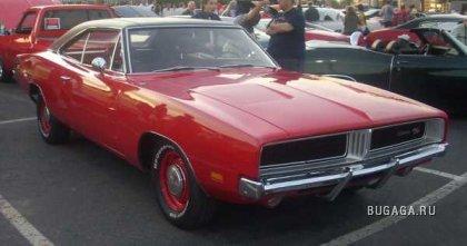 Dodge CHARGER разных поколений