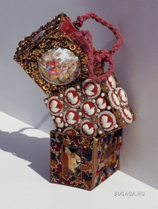 Рождественский подарок от дизайнеров Dolce&Gabbana