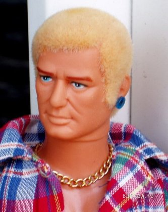 Первая в мире кукла-гей