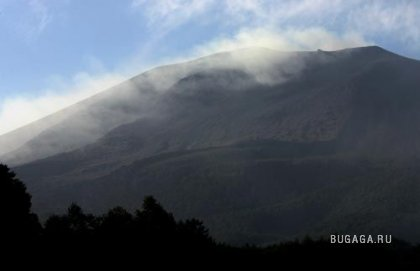 Токио засыпало пеплом вулкана Асама
