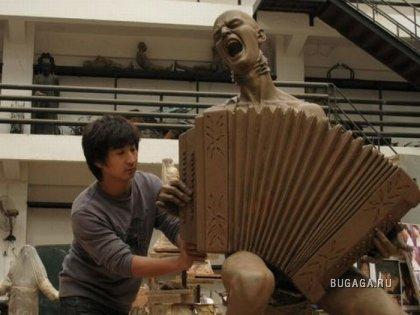 Китайцы сделали памятник Витасу