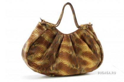 Вот сумочки из последней коллекции нашей соотечественницы - дизайнера...