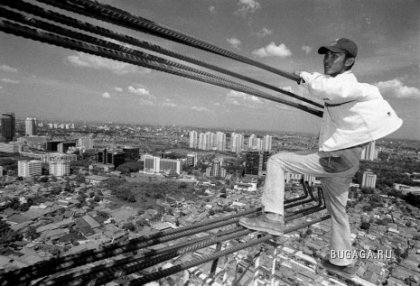 Азиатские строители не боятся смерти