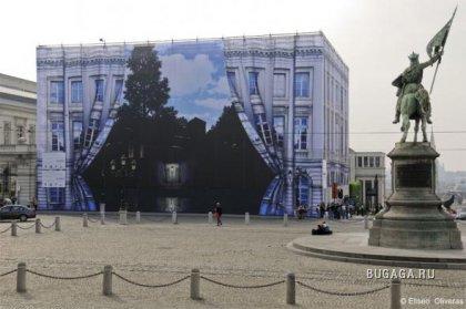 Картины на стенах домов
