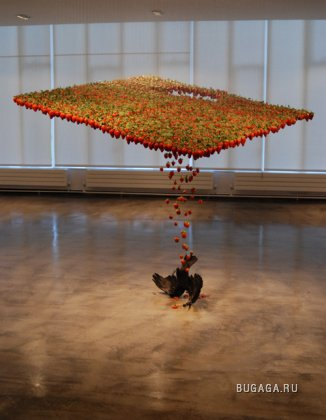 Воздушные инсталляции Клер Морган