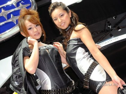 Девушки с Токийского автосалона