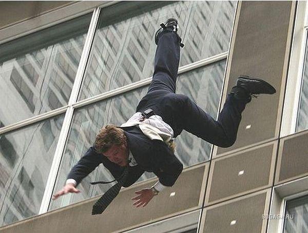 Падающий человек фотография  wiki