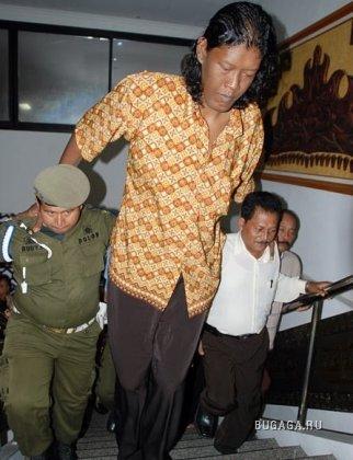 Suparwono - высокий человек из Индонезии