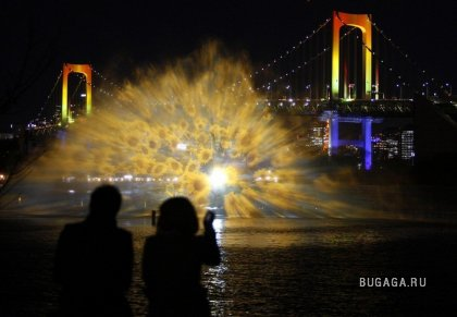 "Световое шоу ""Odaiba water illumination"""