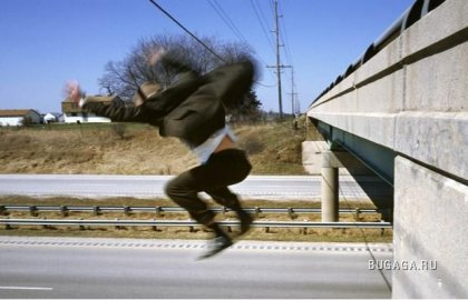 Падающий фотограф Kerry Scarbakka