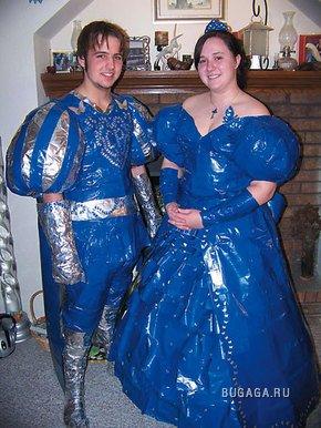 Конкурс костюмов из липкой ленты