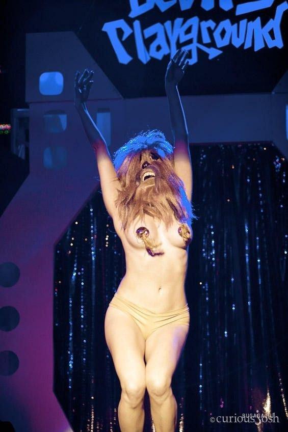seks-i-striptiz-igri