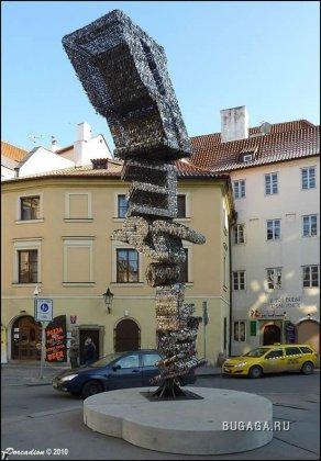 Скульптура из ключей в Праге