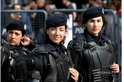 Женщины-солдаты со всего мира