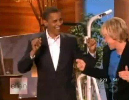 Барак Обама станцевал в прямом эфире!