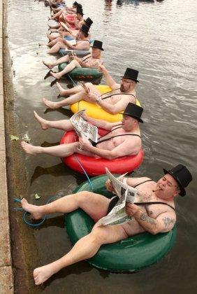 Полуобнажённые джентльмены в Гайд-парке