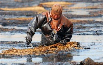 Очистка Даляньского залива от нефти