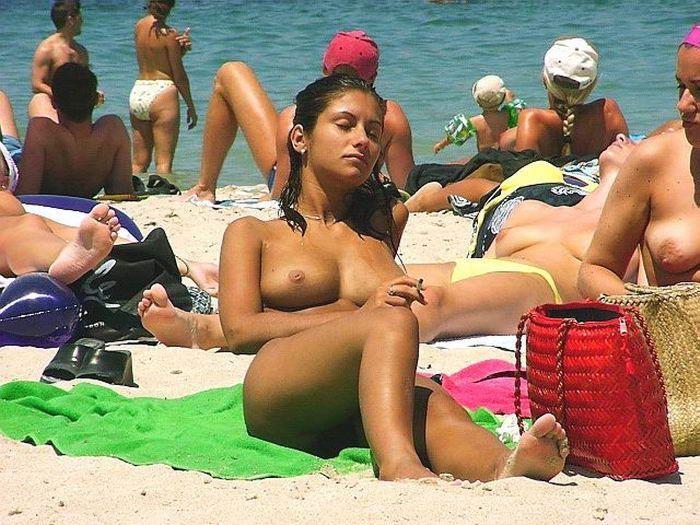 фото девушек на пляже в греции порно