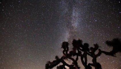 Млечный путь и метеоритный дождь в Калифорнии