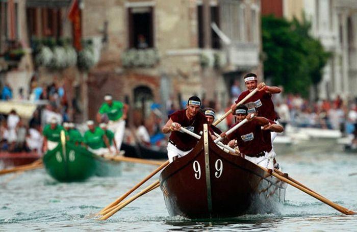 венеция как называются лодки на которые плавают венеции