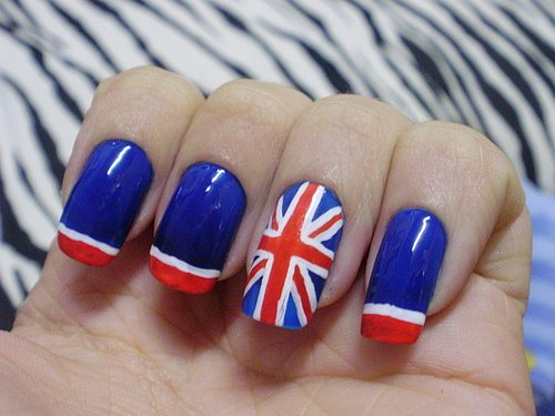 Флаг великобритании на ногтях