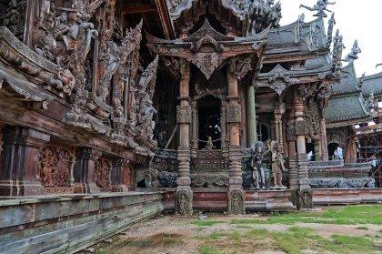 Храм Правды в Таиланде