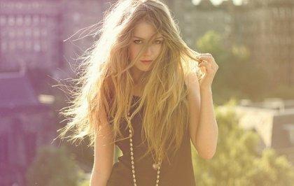 Девушка с необычно длинными сосцами фото 505-727