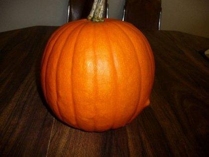 Хеллоуин: Как правильно вырезать тыкву