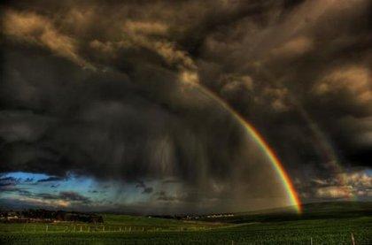 Красивая радуга в необычных местах