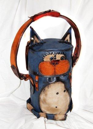 Мышь отстегивается и носится как поясная сумка.  Размеры: кот высота без...